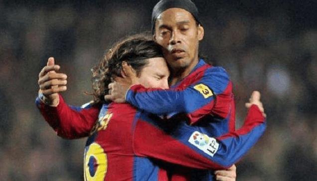 梅西在巴萨几号_致敬传奇!梅西:罗纳尔迪尼奥是世界上最好的球员,没有之一!