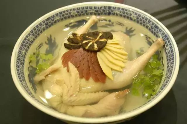 南通没什么了不起,只不过有自己的特色美食:狼山鸡,天下第一鲜文蛤