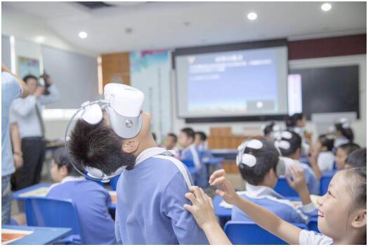 创维酷开李晶再度做客《E路大玩家》,VR将如何颠覆教育培训行业?
