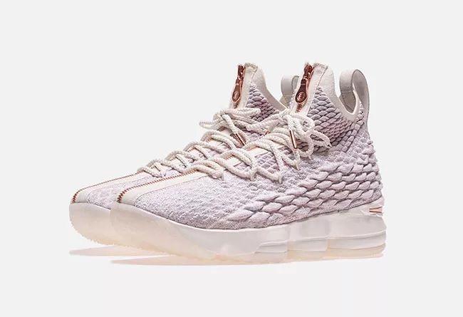 詹皇圣诞战靴!玫瑰金 KITH x LeBron 15 或于近日发售莆田鞋