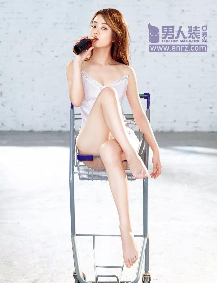 2017年 男人装 赵丽颖朱茵等女神谁性感诱惑