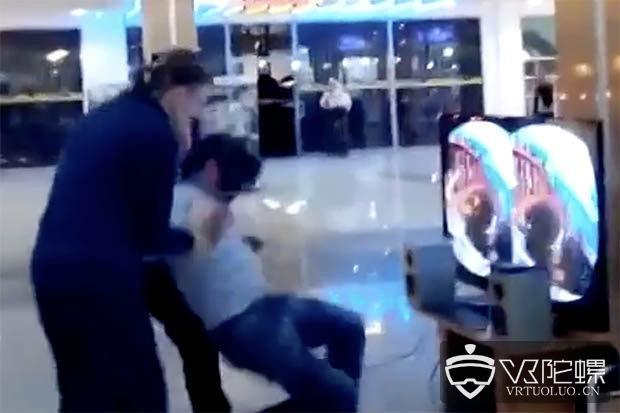 首例玩VR摔伤致死后续:当时正玩《星球大战VR》,伤后继续游戏而失血过多致死