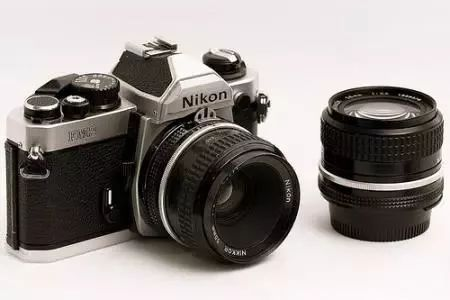 小华有一架傻瓜相机_最贵的相机一定最好吗?