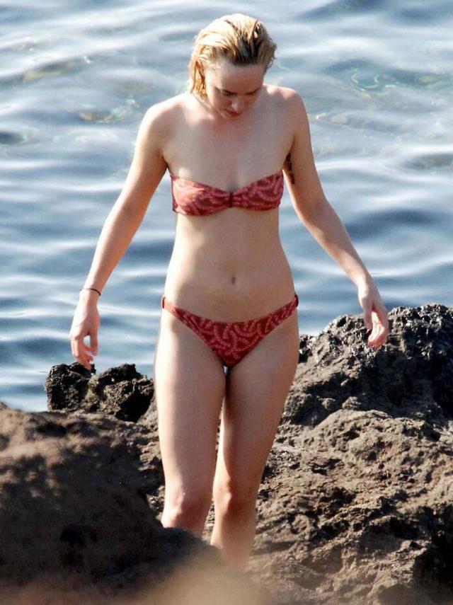 """达科塔・约翰逊""""裸照""""惊现网上 Dakota Johnson大尺度照片"""