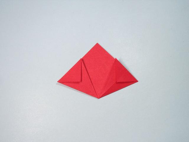 儿童手工折纸:简单樱花的折法步骤图解