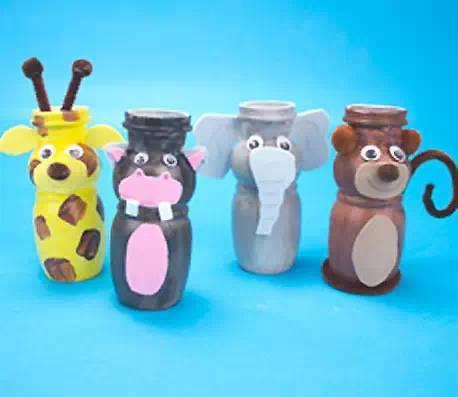 幼儿园手工,用酸奶瓶制作的元旦礼物,可爱到爆!