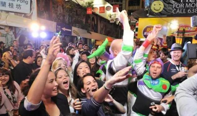 兰桂坊人体艺术照片_兰桂坊音乐啤酒节