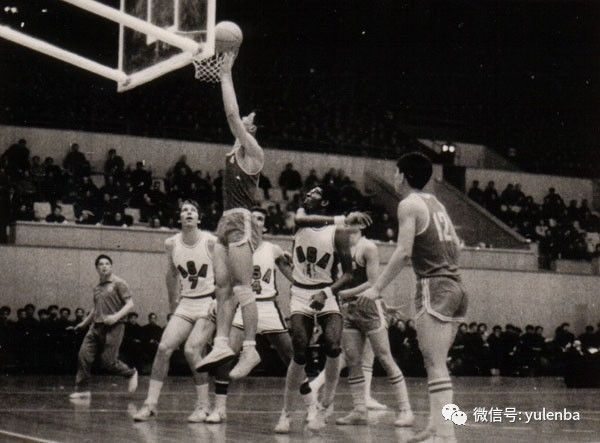 """1万5千字破译张卫平人生密码 中国篮球不能再""""只做不说"""""""