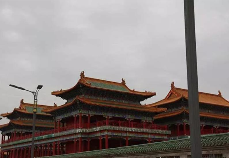 佛教文化博物馆是一座展示中国佛教文化,教化人生的馆区