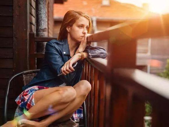 为什么女性较男性更容易抑郁?