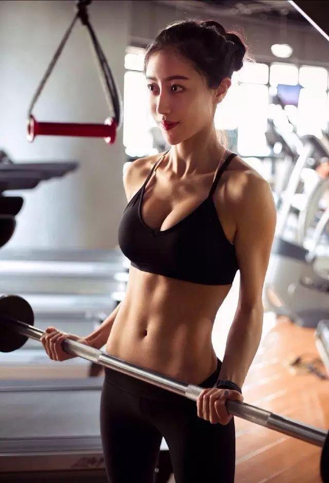 肌肉女在中国有多稀有?请像国宝一样珍惜她们