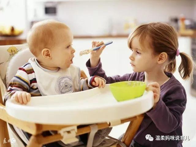 """宝宝断奶的最佳时间_宝宝8个月就要断奶吗?妈妈们不要再被""""最佳断奶时间""""误导了!"""