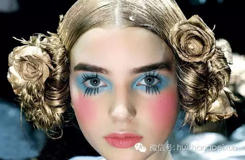 合肥演出妆_合肥徽尚化妆学校告诉你舞台妆的分类