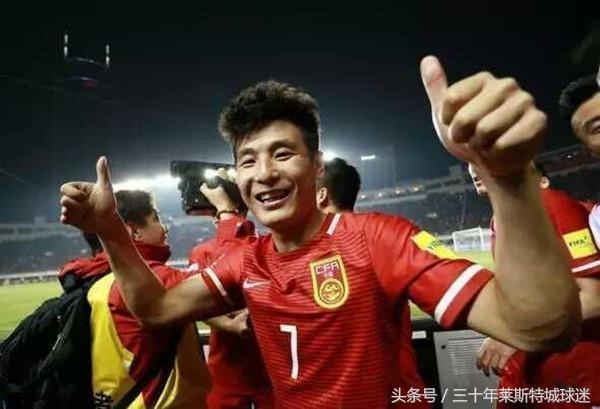 央视都来报喜!中国足球勇夺世界冠军蔡振华豪