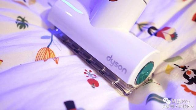 最棒的圣诞礼物:戴森V7 mattress手持除螨吸尘器体验-送彩金38满100提现网