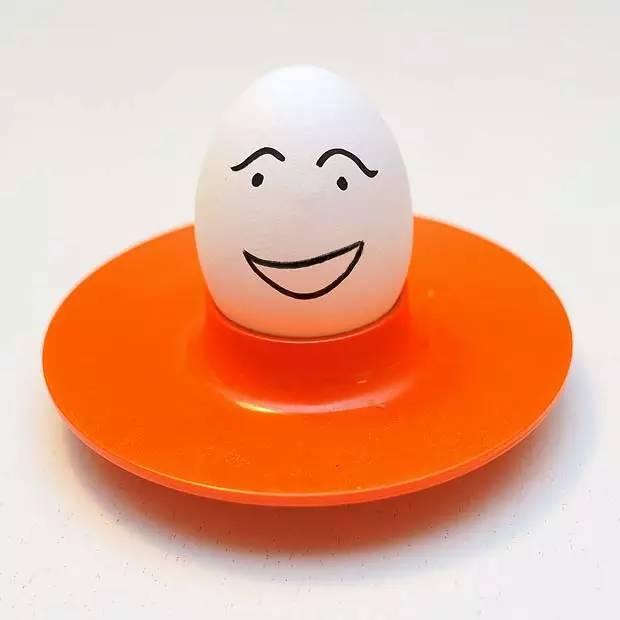 服!他煮了50颗鸡蛋,只为比较两个溏心蛋方法哪