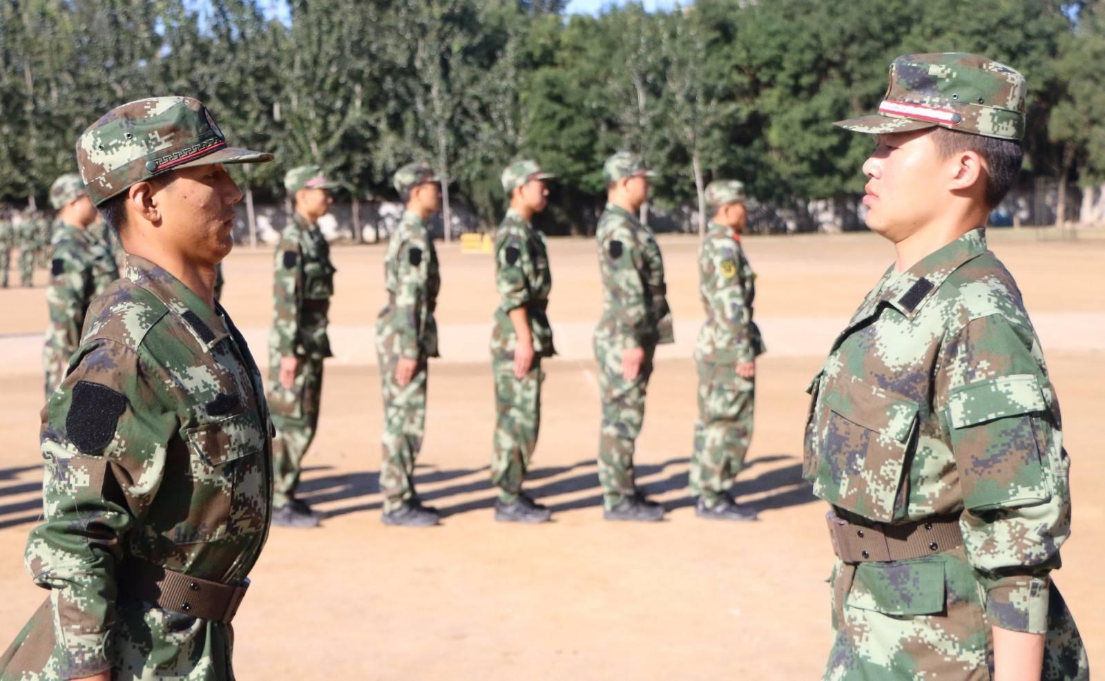 军人训练图片