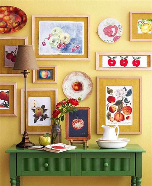 温暖而不失清新,可以选用原木边框和暖色底纸,挂照片或者更有艺术感的