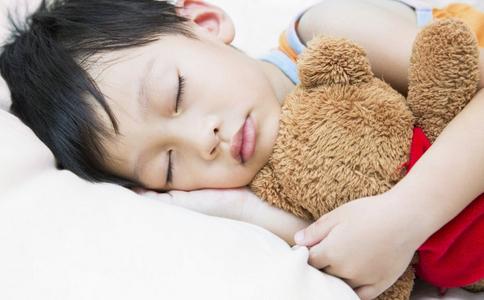 45天宝宝晚上睡10小时