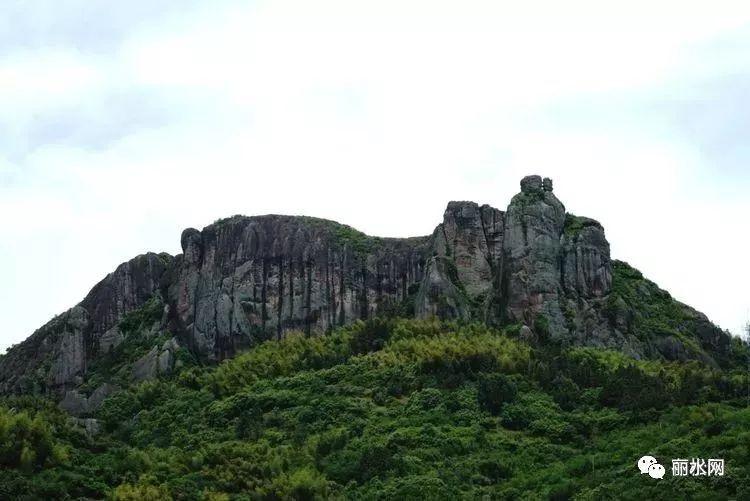 形象生动逼真闻名, 是松荫溪风景区域中, 石林 景区位于松阳县城南5公