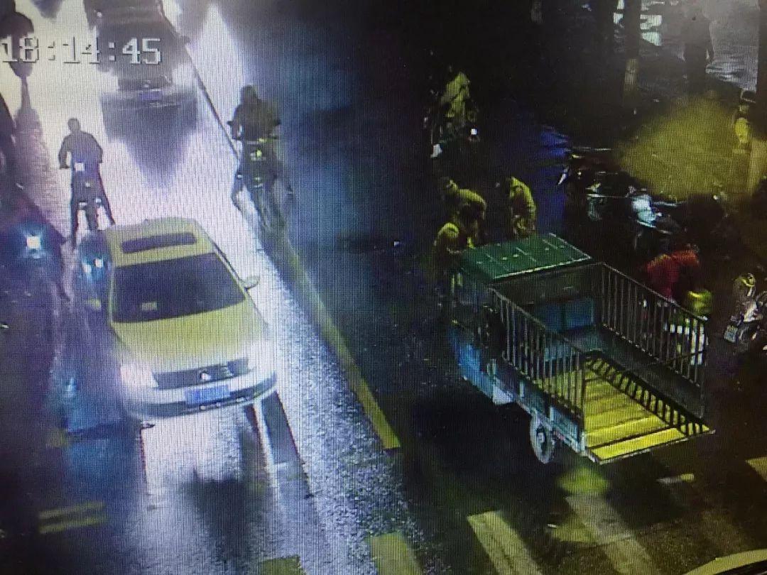 撞击脚踹他人车辆 ,拳打脚踢警务人员 张家港一男子被检方提起公诉