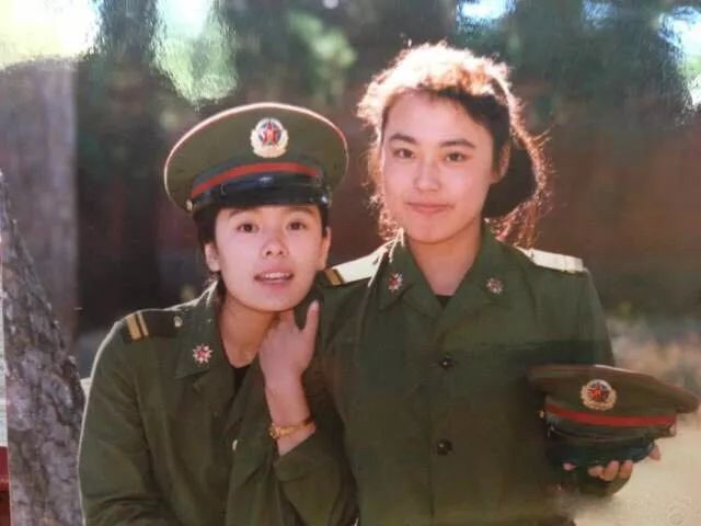 在李菁菁上初二时,偶然发现了《演员》电影小米v演员电视的广告,踩着一剧组老井体育版刷机图片