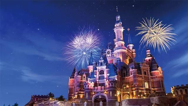 上榜理由:乐园想必是每个孩子都幻想的地方,趁着寒假,上海迪士尼乐园