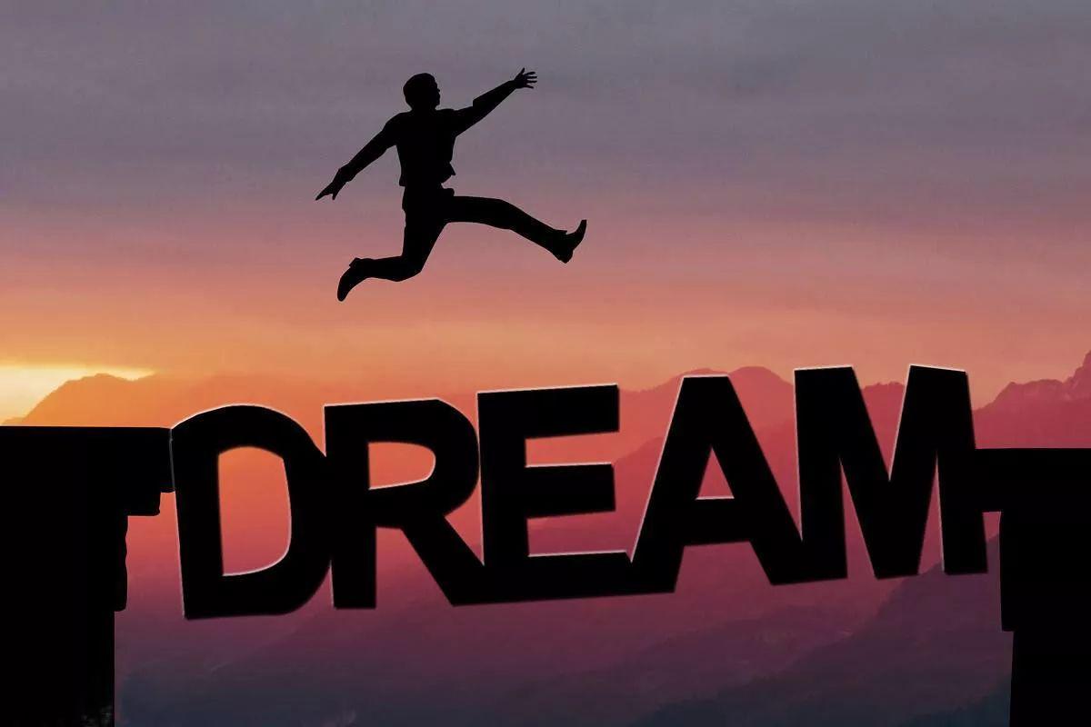 大�y�9�%9�._每个人的心中都有一个梦想, 或小或大,或远或近.