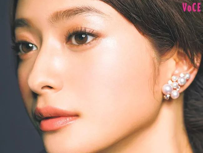 如何打造出又酷又温柔的日系妆容? - 透明感女孩tips