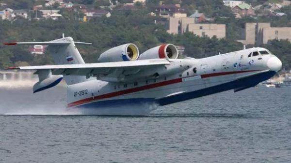 港媒盛赞AG600成功首飞 中国海上能力再添重器