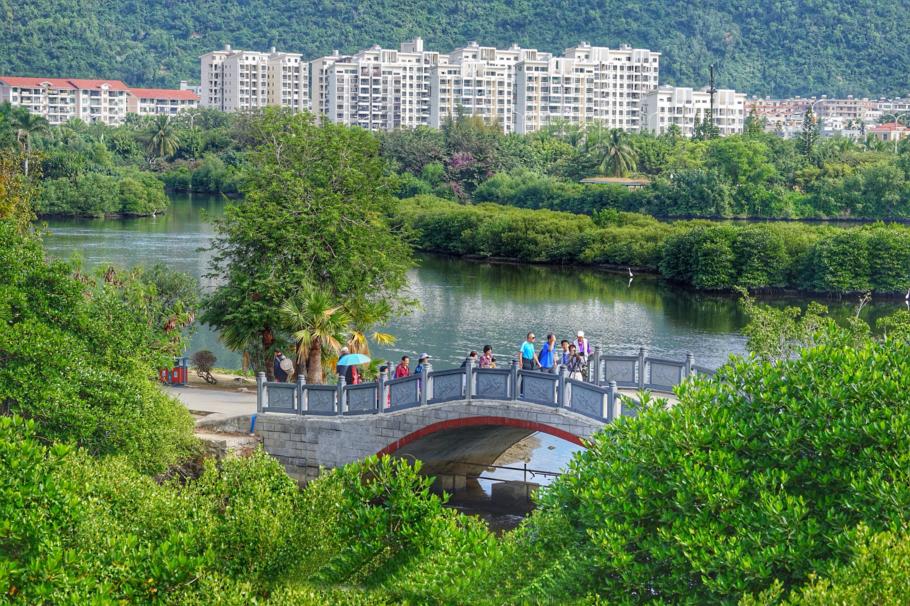 绿岛锦簇区,镜湖银波区,海天一色区,红树迷园区和闲得茗香区等几大区.