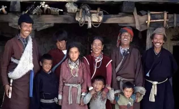 成人黄色电影家庭片_揭秘:西藏一妻多夫的家庭:怎样同床共枕