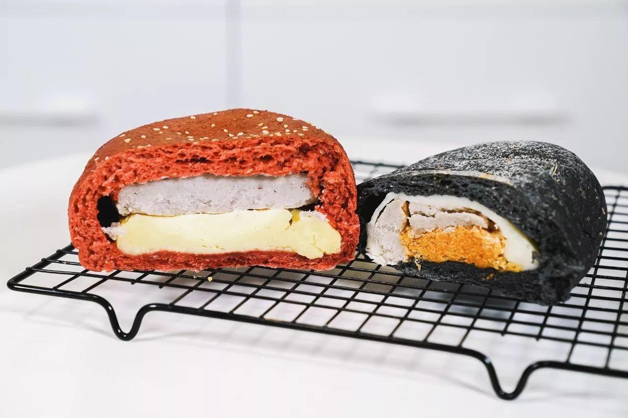 46 吃播小白(老鼎丰的面包们)肉松麻薯面包+椰丝肉松面包+...