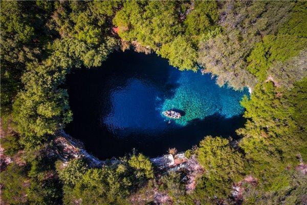 无人机拍的照片有多惊艳?这几张让人视觉有点错乱!「蓝云之鹰」