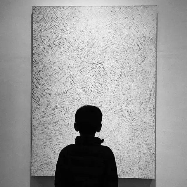 """框 式 构 图 框式构图法是一种""""很摄影""""的构图方式,透过窗户,镜子图片"""