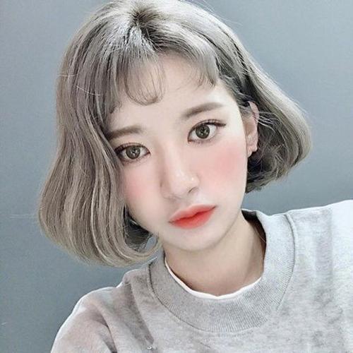 换短发也要换新发色,2018年流行的短发染发都在这里