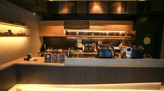 钱治亚创立的luckin coffee(瑞幸咖啡)现已入驻石榴中心,为你带来更多图片