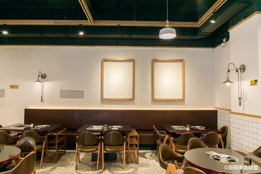 美食 正文  又如发光的泡泡 店内乍眼一看是北欧简约风 格子瓷砖,木质图片