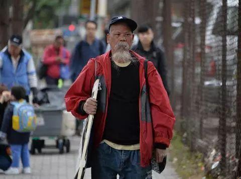 香港反对派成员侮辱国旗受审 当庭不认罪:我就是故意的!