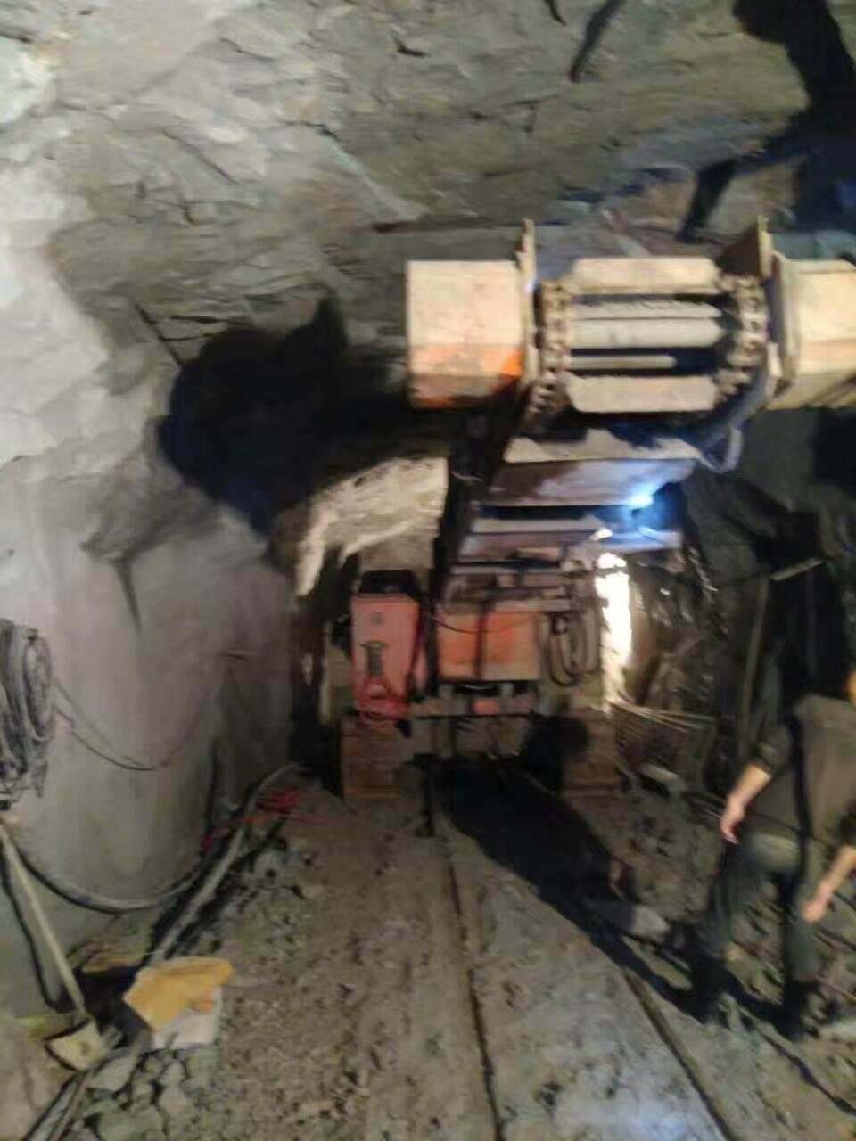 斜井雙動力扒渣機燃料油的選用以及操作規程