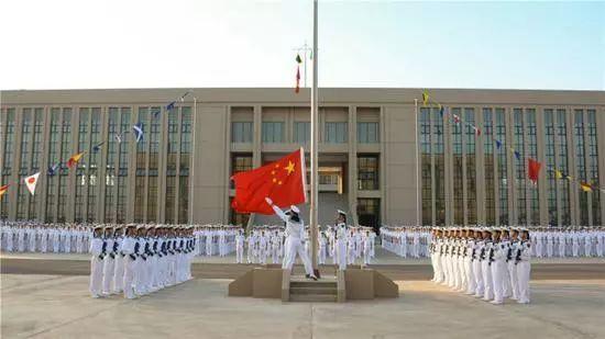 解放军吉布提基地举行新年升旗仪式