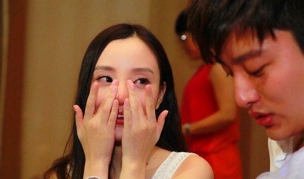 贾乃亮发文承认李小璐出轨,可其中的这句话却让网友心疼不已!
