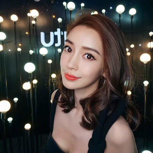 张韶涵上《歌手》 比起歌声她十年如一日的电眼更吸睛