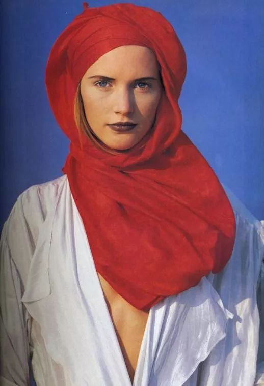 沙漠丝巾拍照造型
