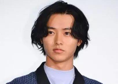 男生脸大千万别剪这3种发型,尤其第一种图片