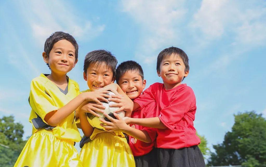 日本人在中国的足球故事:8年扭亏为盈,未来用15年做成万人俱乐
