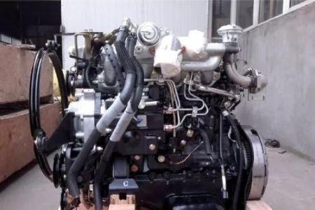 五十铃柴油车发动机大修后排气管冒蓝黑色烟,烧机油
