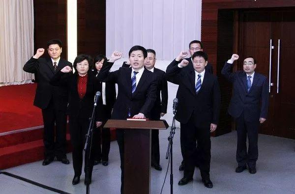 1月6日,菏泽市监察委员会挂牌,这是山东省正式挂牌成立的首家监察委员