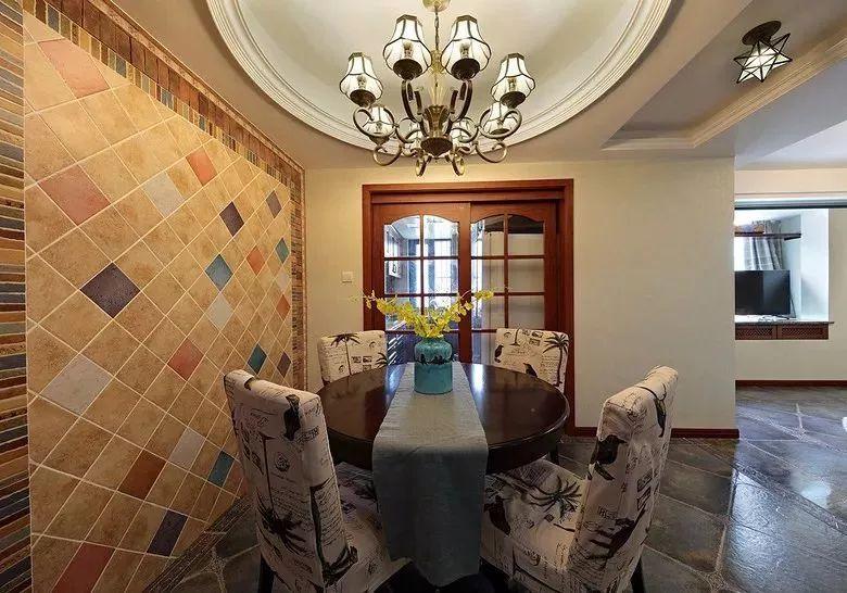 106㎡现代美式,彩色砖的餐厅背景墙,真的很好看!图片