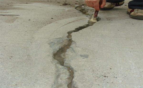 水泥地裂缝修补